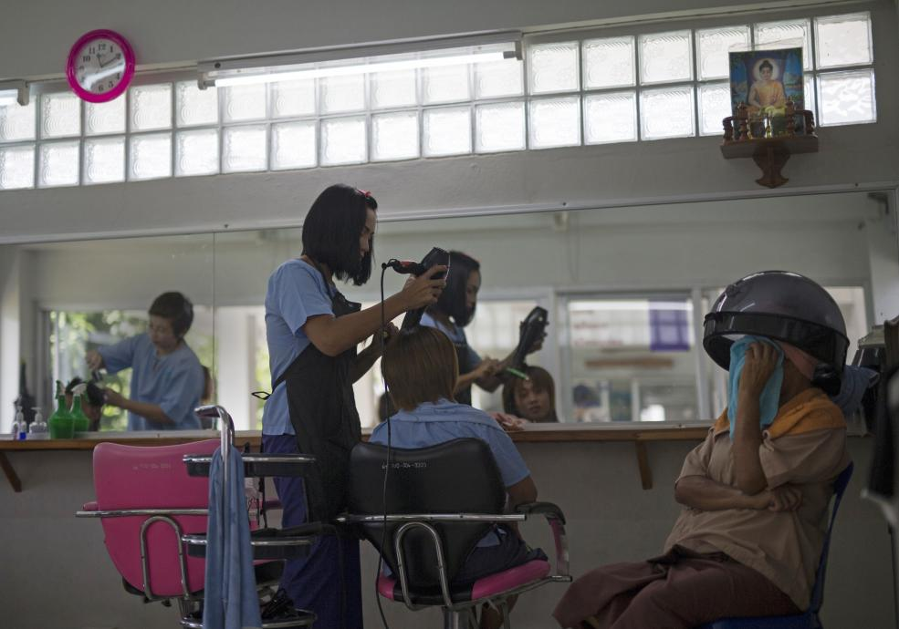 Life in PRISON for Thailand's ladyboys (Gallery